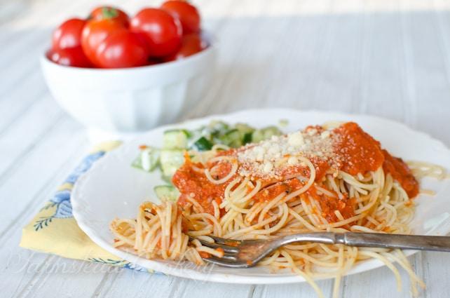 PERFECT marinara sauce for using garden fresh tomatoes! Sweet, simple ...