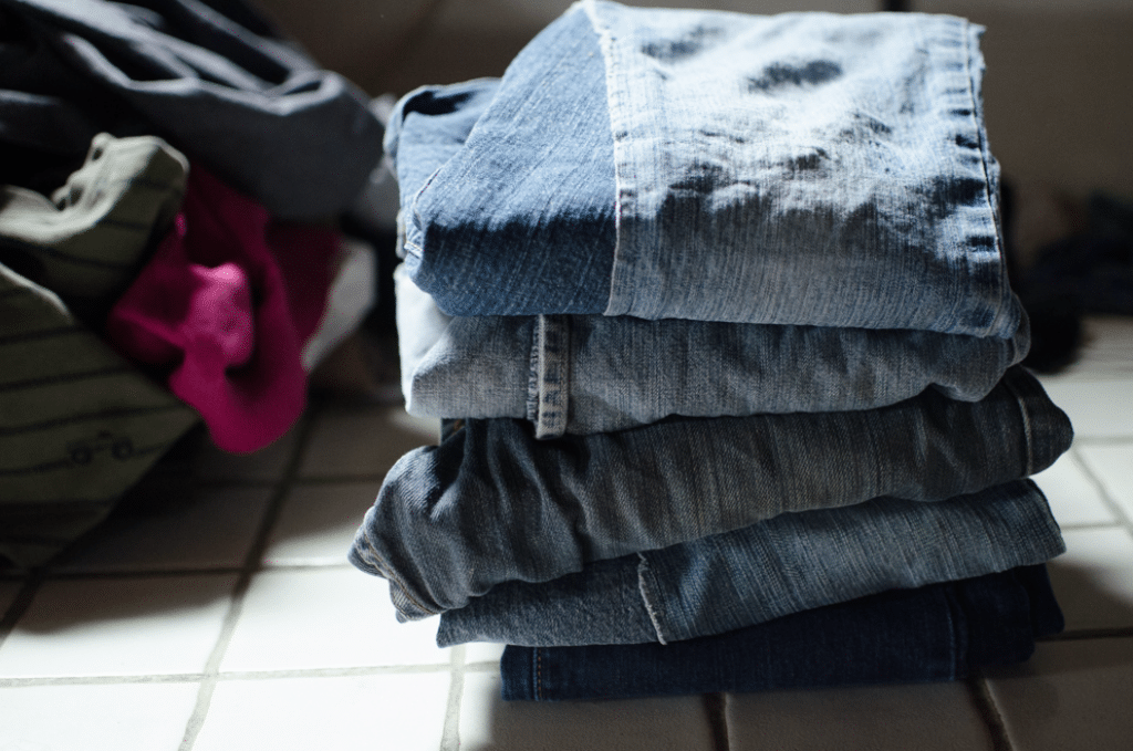 12 Tips for Dealing with Homestead Laundry in a Large Family
