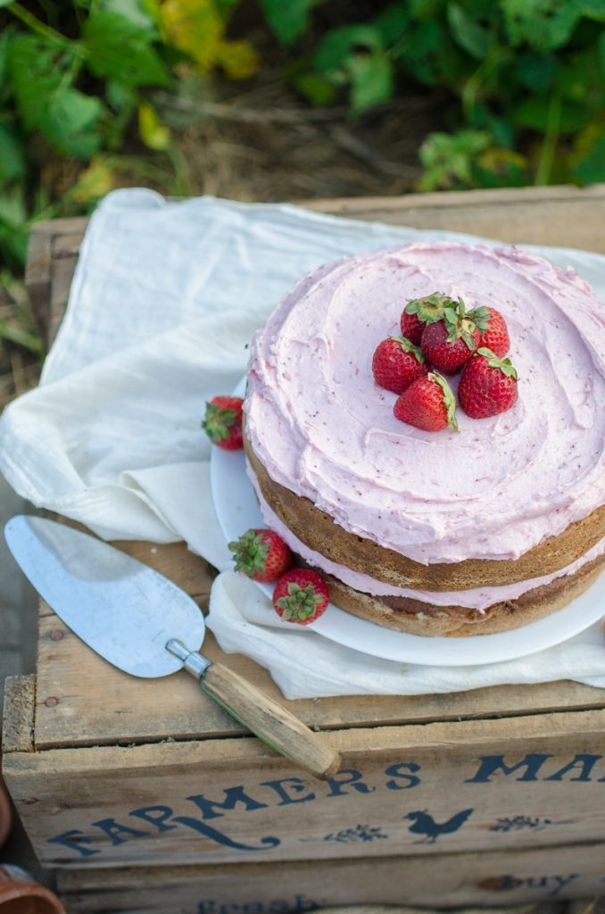 Strawberry Chamomile Cake {Giveaway} – Reformation Acres